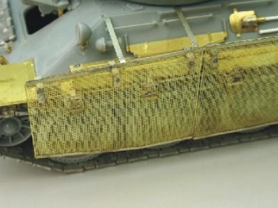 1:35 - Soviet medium tank T-34/85 - 10