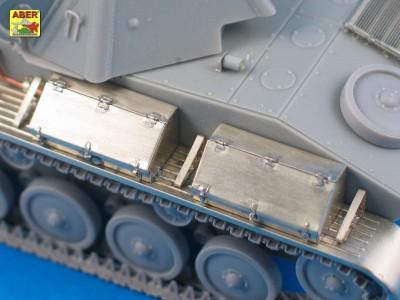1:35 - T-70 - Soviet light tank  - 10