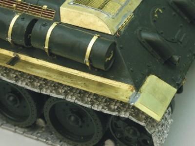 1:35 - Soviet tank destroyer SU122 - 11
