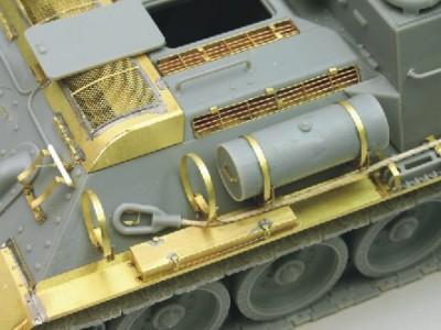1:35 - Soviet tank destroyer SU100 -from Dragon model - 10