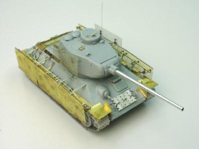 1:35 - Soviet medium tank T-34/85 - 6