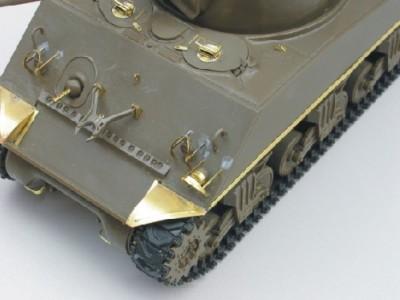 1:35 - Sherman M4 A1 from Tamiya - 10