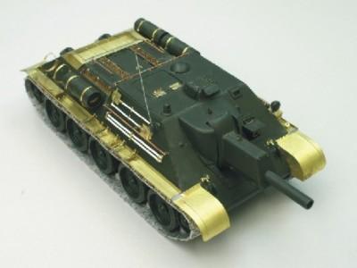 1:35 - Soviet tank destroyer SU122 - 2