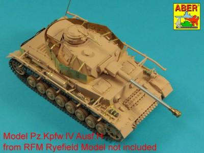 1:35 - Pz.Kpfw.IV, Ausf. H -model from RFM - 4