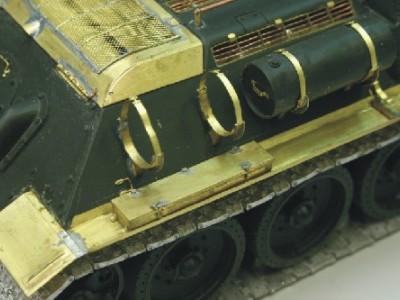 1:35 - Soviet tank destroyer SU122 - 13