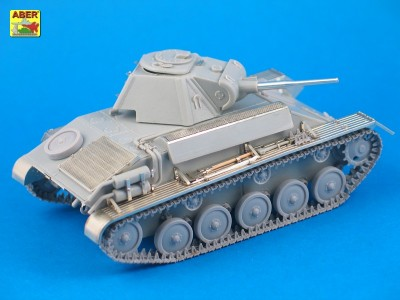 1:35 - T-70 - Soviet light tank  - 4