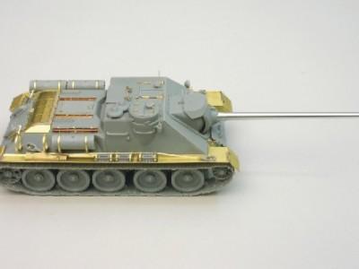 1:35 - Soviet tank destroyer SU100 -from Dragon model