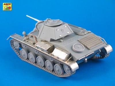 1:35 - T-70 - Soviet light tank  - 3