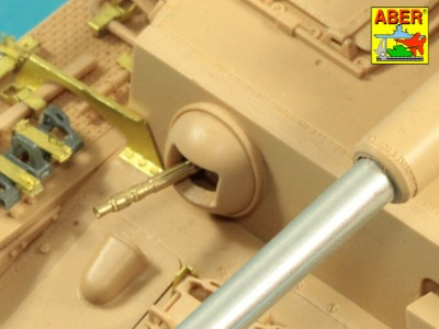 1:35 - Pz.Kpfw.IV, Ausf. H -model from RFM - 7